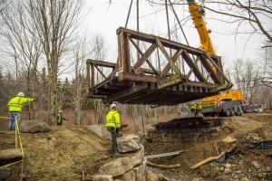 Snyder-Brook-Bridge-Move_12-5-14_001